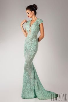 2016 Fall Winter Keyhole Back Evening Dress By Hanna Toumajean Appliqued Sequined Champagne Lace And Tulle Mermaid Prom Gown V Neck Stylish Evening Dresses Summer Evening Dress From Gracedressonline, $172.9| Dhgate.Com