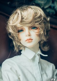 Bjd, with beautiful ocean eyes. The hair is perfect color too, perfect merman… - Doll Pretty Dolls, Beautiful Dolls, Beautiful Ocean, Gorgeous Eyes, Ooak Dolls, Barbie Dolls, Mode Kawaii, Poses References, Realistic Dolls