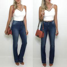 Nova coleção de jeans e agora em tons mais claros para o Verão! Calça flare de cintura alta  cropped  bolsa (modelo Chanel). Compre pelo site http://ift.tt/PYA077.  Dúvidas ou informações pelo whats 47 9953-1716.  Agende sua visita em nosso showroom em Jaraguá do Sul!
