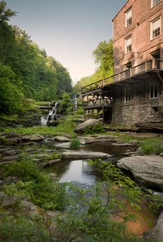 >Green Hotel Concept with a View: Ledges Hotel in Hawley, PA