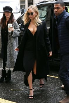 http://www.gotceleb.com/wp-content/uploads/photos/jennifer-lawrence/out-and-about-in-london/Jennifer-Lawrence-out-and-about-in-London--09-662x993.jpg