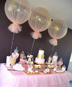 Baby Shower Decorations Balloons wrapped in tulle for party decor Deco Baby Shower, Shower Party, Baby Shower Games, Baby Shower Parties, Baby Shower Table Set Up, Shower Cake, Balloons For Baby Shower, Shower Favors, Babby Shower Ideas