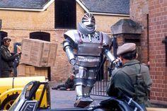 Crítica | Doctor Who – Série Clássica: Robot (Arco