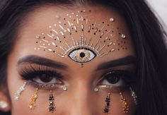60 Ideas Music Festival Makeup Rave Face Jewels For 2019 # Music Festival Makeup Face Festival Ideas Jewels Makeup Music Rave Festival Looks, Festival Make Up, Maquillage Halloween, Halloween Makeup, Makeup Inspo, Makeup Inspiration, Coachella Make-up, Rave Outfit, Eye Makeup Glitter