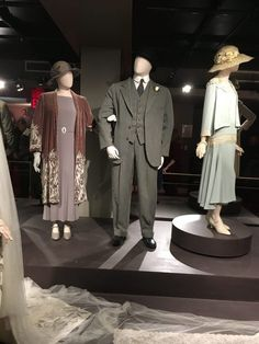 Downton Abbey Exhibition - Carrie Turansky Downton Abbey Costumes, Downton Abbey Movie, Downton Abbey Fashion, Julian Fellowes, Teen Party Games, Second Wedding Dresses, Star Wars, Lady Mary, Beautiful Costumes
