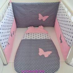 Tour de lit et gigoteuse fait main papillon gris et rose @lacouturebytitia