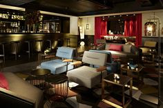 """QT Sydney Boutique Hotel - """"A one-of-a-kind......cutting edge, quirky,  eccentric......"""""""