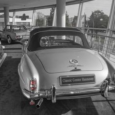 Mercedes Benz #190SL spotted at the Mercedes Benz Niederlassung in Hanover/Germany. Pic ©cbautomotivephotography / #190SL #190SLRestorations #BruceAdams190SL