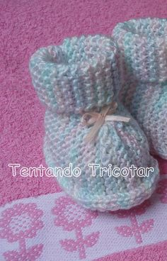 Bildergebnisse für Babyschuh in Trico Loom Knitting Projects, Knitting For Kids, Baby Knitting, Free Knitting, Baby Girl Boots, Baby Boy Booties, Crochet Baby Shoes, Knit Crochet, Knitting Patterns Free