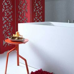 Bathroom decor ideas with red