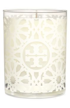 This @ToryBurch candle is such a little luxury! The design is so chic and will go with just about any decor scheme. Plus, it has notes of peony and tuberose! #bowsgg