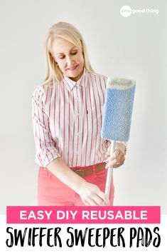 Keep the convenience of your Swiffer, but ditch the cost of refills and replacement pads! These clever hacks will save you time and money! Homemade Cleaning Products, House Cleaning Tips, Natural Cleaning Products, Cleaning Hacks, Deep Cleaning, Diy Cleaners, Household Cleaners, Household Tips, Swiffer Pads