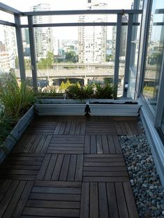 Interlocking outdoor flooring over concrete outdoor deck for Apartment balcony floor covering