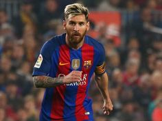 Barcelona president Josep Maria Bartomeu confirms Lionel Messi contract talks #Manchester_City #Barcelona #Football