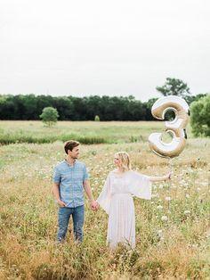 Pregnancy announcement photos