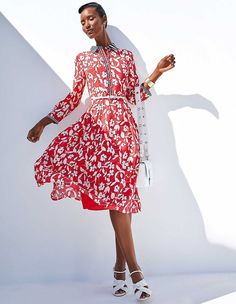Each of these dresses is a one-off. Shirt-style collars, sleeve cuffs and button border down to the waist in a fresh striped design. Beautiful Dresses, Nice Dresses, Short Dresses, Winter Dresses, Spring Dresses, Silk Dress, New Dress, Madeleine Fashion, Mode Chic