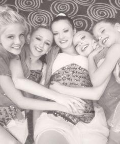 Paige, Chloe, Brooke, Kenzie, and Maddie @maddieziegler