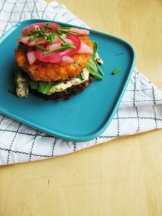Potato&smoked salmon burger with dijon-aioli