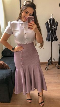 40 Bottom Outfits To Update You Wardrobe This Winter - Winter Fashion Trendy Dresses, Modest Dresses, Modest Outfits, Skirt Outfits, Modest Fashion, Dress Skirt, Fashion Dresses, Dresses For Work, Dress Work