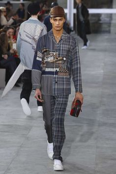 Male Fashion Trends: Louis Vuitton Fall-Winter 2017 - Paris Fashion Week