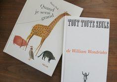 J'aidécouvert les 2 albumsau Salon du livre et de la presse jeunesse de Montreuil à Paris au stand des éditions Hélium. Pour le premier, j'avais feuilleté presque tout ce qui avait sur les tables sans même leremarquer. C'est Delphine, propriétaire de la librairie jeunesse parisienneLa sardine à lirequi me l'a présenté et j'ai pas purésister, [...]