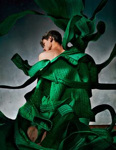 Conceptual Outerwear - Reid Rohling stars in 'Serpantine,' a conceptual outerwear editorial that is captured by photographer Bryan Huynh. Lensed for the pages. Craig Green, Male Model, Green Fashion, Models, Spring Summer 2016, Trendy Fashion, Fashion Brands, High Fashion, Editorial Fashion