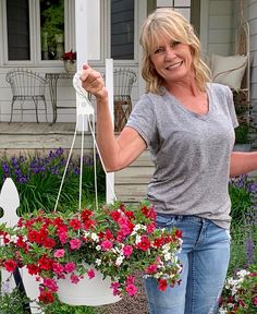 Hello I'm Kimberly! Watch my video on how to divide hanging baskets to fill window boxes! Create a full window box instantly by Smiths Country Gardens Window Boxes, Hanging Baskets, Will Smith, Fill, Home And Garden, Gardens, Windows, Watch, Country