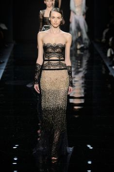 Reem Acra at New York Fashion Week Fall 2016 - Runway Photos