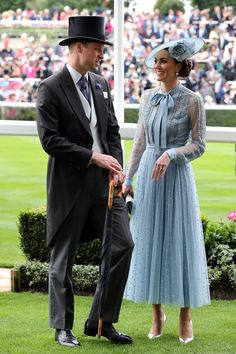 Prince William & Catherine, Duke and Duchesse of Cambridge at Royal Ascot 2019 -. - Prince William & Catherine, Duke and Duchesse of Cambridge at Royal Ascot 2019 -… Prince Willia - Kate Middleton Outfits, Kate Middleton Young, Looks Kate Middleton, Estilo Kate Middleton, Prince William Girlfriends, Prince William Wife, Prince William And Catherine, Kate Middleton Prince William, Royal Ascot