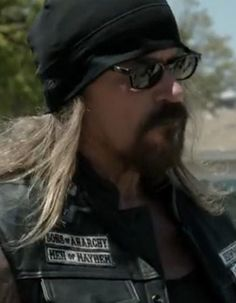 Have a #TotalBadass Thursday! #TBT pic...the reason Rusty Coones Fans is here today... #Quinn #SOA  @RustyCoones