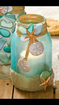 This list has 25 incredible craft projects from bathroom accessories to garden solar lights, that you can DIY easily using Mason Jars or jars from your recycling box! So for a huge list of easy diy crafts, click through & get ready to start making! Mason Jar Projects, Mason Jar Crafts, Bottle Crafts, Diy Projects, Crafts With Mason Jars, Project Ideas, Mason Jar Candle Holders, Mason Jar Candles, Beeswax Candles