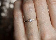 Gold Verlobungsring Prong Diamond ring Gelbgold von MinimalVS