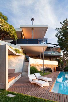 Impressive river house in Sydney