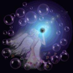 Nova Vida e a Grande Viagem Espiritual. A vida não espera.  Por onde você for, o tempo não pára, mesmo que você queira.  O que ficou, ficou... O que se foi, passou...  É a vida em movimento...  Somos viajantes eternos em suas trilhas.  Parece que somos passageiros na eternidade, mas a verdade é outra: somos eternos dentro do temporário. Ou seja, somos o eterno no movimento da vida que segue...   Na natureza, tudo passa! O traço característico da existência é a impermanência. As coisas…