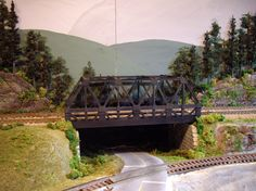 TY'S MODEL RAILROAD: Layout Scenery Part II - The Background