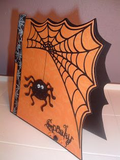 The Cricut Bug: Spooky Spider Card Fall Cards, Holiday Cards, Spider Card, Manualidades Halloween, Halloween Scrapbook, Shaped Cards, Cricut Cards, Thanksgiving Cards, Halloween Fun