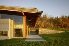 A beautiful and sustainable architecture house In Canada – you are going to love it! | Decorating Design