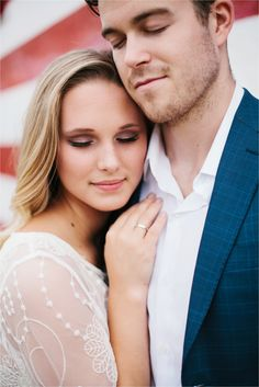 A-colorful-urban-romantic-ethereal-engagement-sesison-in-Deep-Ellum-and-White-Rock-Lake-_-Images-by-North-Texas-Wedding-Photographer-Rachel-Meagan-Photography-_-41.jpg (1800×2699)