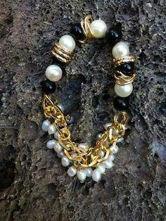 Pulsera de onix y perlas de rio con cadena de aluminio