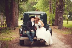 Country style wedding fun relaxing great opportunity to vary your style from elegant to simplistic it's your day and using barn or country field the options limitless( #1 if planning an outdoor theme think of tent or a venue that has a building something to take cover incase from of change in the weather. Comments/gemjunkiejewels