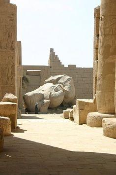 Temple of a million years of Rameses II, Luxor, Egypt. Ozymandias statue.