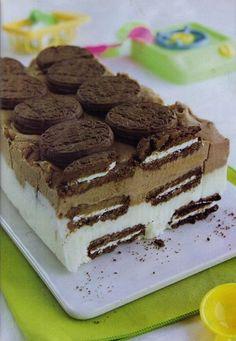 Terrina helada con galletas de chocolate Ver receta: http://www.mis-recetas.org/recetas/show/24183-terrina-helada-con-galletas-de-chocolate