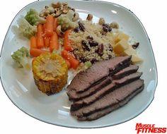 Hovězí maso obsahuje železo, zinek, vitamíny skupiny B a půl gramu kreatinu v jedné 100 g porci. Obsah bílkovin se pohybuje kolem 30 g, tuků 5 g. Zelenina připravena v páre si uchová většinu živin a lžíce kuskusu dodá sacharidy pro energii. Pork, Meat, Kale Stir Fry, Pigs
