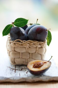 mmm Plums, rich in Vitamin C, fiber and Tryptophan they are sure to make you feel good  | MindfullyNutritious.com