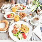 Śniadanie mistrzów - ostatnie na Korfu 😋 Na szczęście moja rolka w aparacie pęka w szwach od zdjęć, więc korfiański spam jeszcze chwilę potrwa 😉 . . _________ #śniadanie #marbellanidosuitehotel #corfu #korfu #discovergreece #blogtrottersgr #breakfastgoals #breakfaststories #kochamgotowac #kochamjeść #gofry #omlet #wafflesaturday Waffles, Table Settings, Breakfast, Food, Morning Coffee, Essen, Waffle, Place Settings, Meals