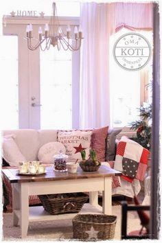 Oma koti onnenpesä: Joulun tunnelmapaloja Magical Christmas, Christmas Home, Christmas Crafts, New Years Decorations, Curtains, Living Room, House Styles, Winter, Sweet