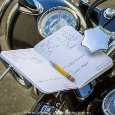carnet Word® The Rider Journal #Ironandresin #motorcycle #moto #Harley #HD #HarleyDavidson #chopper #bobber #caferacer #Norton #Triumph #BSA #Ducati #RoyalEnfield #Matchless #AJS #Velocette #madeinUSA #lecomptoiramericain