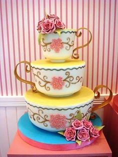 Some day I want a tea party bridal shower and someone to make me a cake like this.