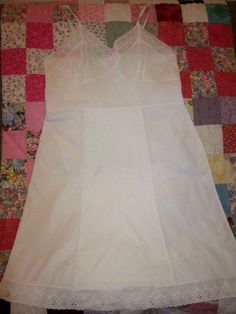 Vintage womans COTTON SLIP vtg. size 42 = size 8-10  measurements in discription