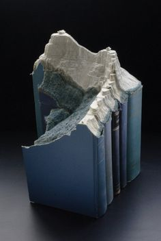 Sculptures out of old books. By Laramee